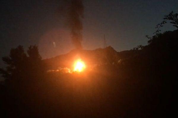 La flamme a été visible dans l'ensemble de l'agglomération de Grenoble.
