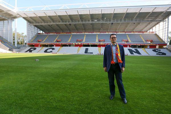 Joseph Oughourlian, actionnaire majoritaire du RC Lens, sur la pelouse du Stade Bollaert-Delelis en juin 2018