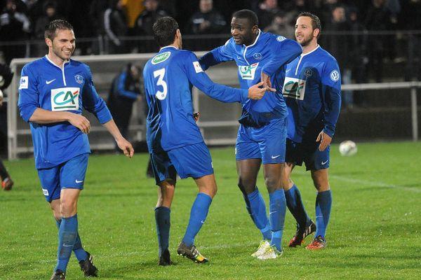 La joie des joueurs du Poiré-sur-Vie après leur victoire face à Plabennec