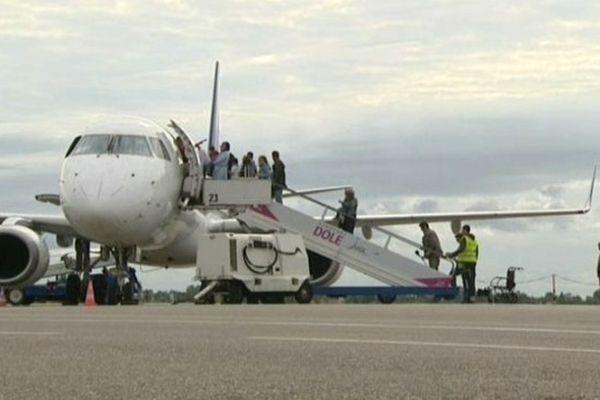 Aéroport de Dole dans le Jura, mardi 28 juillet 2015 lors de la visite de François Sauvadet.