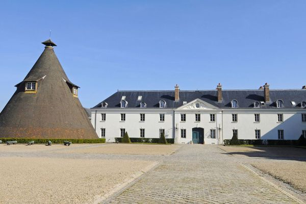 Le château de la Verrerie, au Creusot, en Saône-et-Loire.