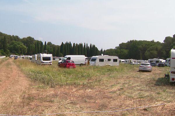 La communauté des gens du voyage qui s'est installée sur ce terrain a jusqu'au 21 juin pour quitter les lieux.
