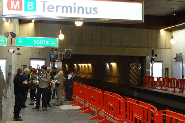 Les panneaux Terminus sont temporaires. A terme, le métro rejoindra les hôpitaux sud.