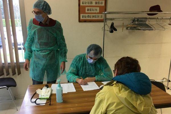Ce 10 mars 2020, dépistage du Coronavirus sur des volontaires à Biéville-Beuville