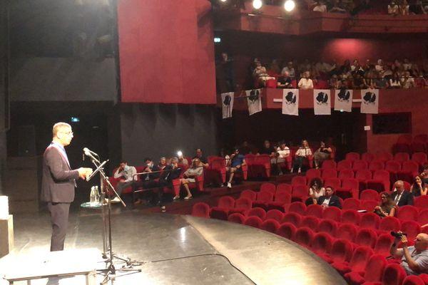 Pierre Savelli lors de son discours au théâtre municipal de Bastia, samedi.