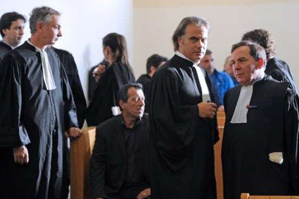 07/11/13 - Roland Marmillot et Francis Szpiner, les avocats de Jean-Pierre Anastasio, l'un des douze accusés