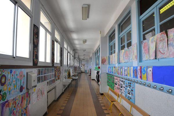 En date du lundi 29 mars, 36 classes étaient fermées pour cause de COVID dans l'académie de Clermont-Ferrand, d'après les données du rectorat.