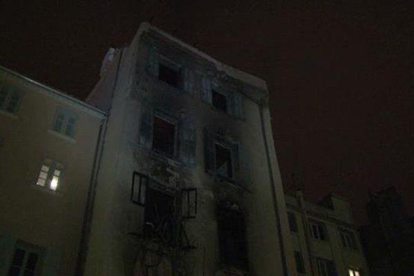 Incendie, jeudi soir, dans un immeuble à Toulon, rue Micholet : 3 morts