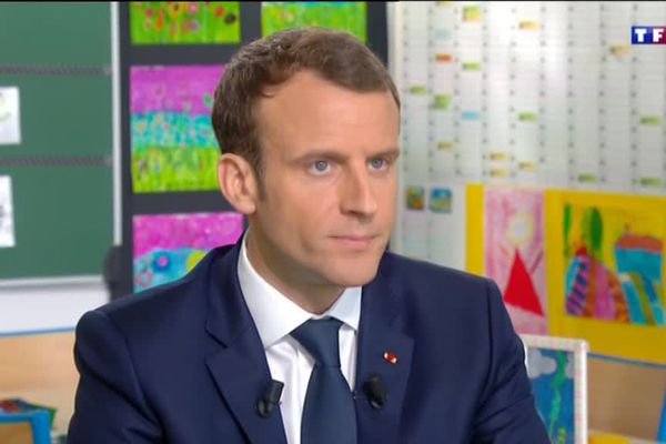 Emmanuel Macron, invité du 13h de TF1 le 12 avril 2018
