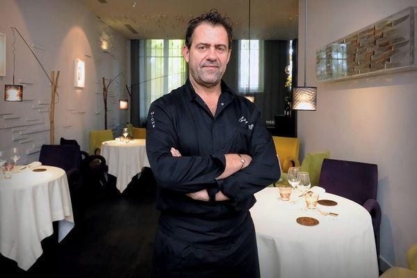 Le chef Michel Sarran fait le choix difficile de fermer temporairement son restaurant à partir du 26 octobre.