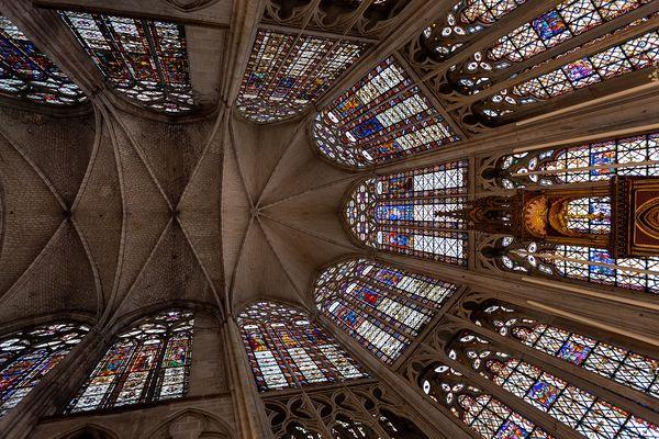 Les vitraux du Choeur de la Basilique Saint-Urbain, à Troyes, datent du 13ème siècle.