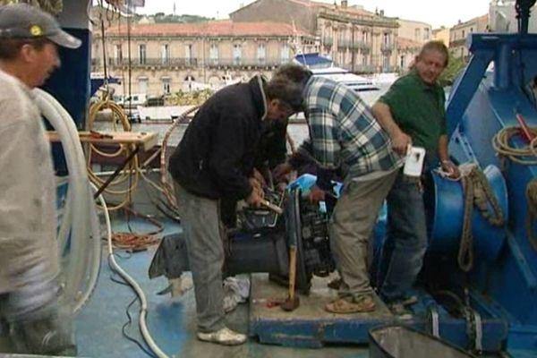 La révision des moteurs sur les quais de Sète