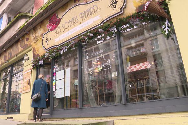 Bar-brasserie à la mode à Lisieux, Les Soeurs Pinard a été fermé temporairement sur ordre du maire Bernard Aubril.