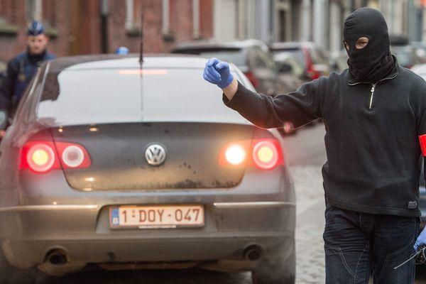 Une vaste opération de police à Molenbeek, dans la banlieue de Bruxelles, en Belgique.
