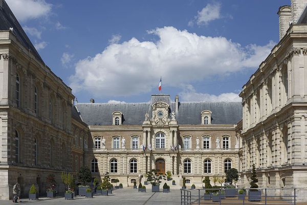 Depuis le 2 avril, le couvre-feu est en vigueur à Amiens de 22 heures à 5 heures