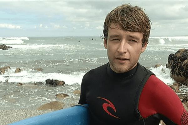 Benoit Carpentier fait une pause à la pointe de la Torche, dans le Finistère