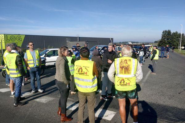 Les Gilets jaunes mobilisés à Saint-Brieuc estiment que leur mouvement doit continuer à se faire entendre, alors que les élections présidentielles approchent