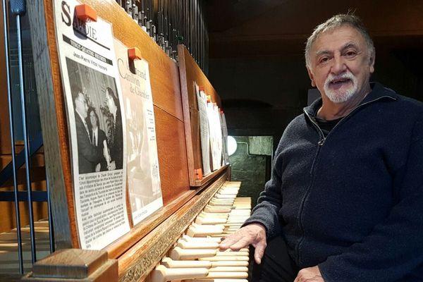 Jean-Pierre Vittot carillonneur à Chambéry depuis 1974