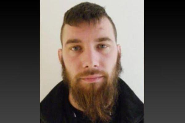 Photo de Terry Dupin lancé lors de l'appel à témoins après la fuite du forcené en Dordogne.
