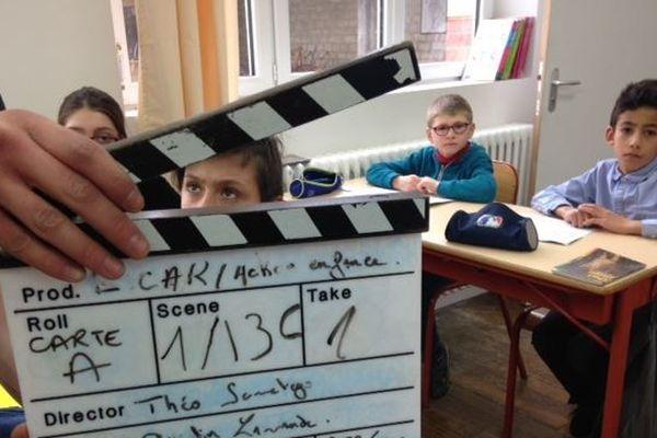 Le temps du tournage, les jeunes d'Action enfance sont dirigés par des étudiants en cinéma.