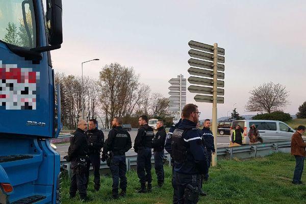 """Opération d'évacuation du campement """"illicite"""" de Mercurol"""