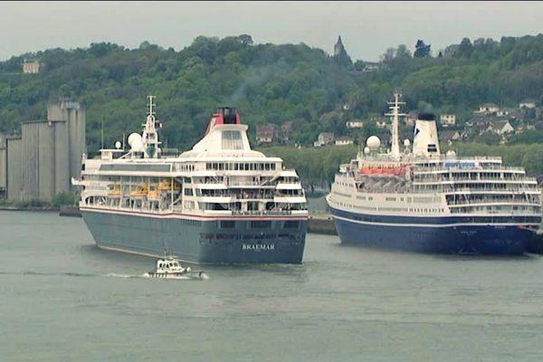 Deux paquebots se croisent dans le port de Rouen ce week-end du 1er mai