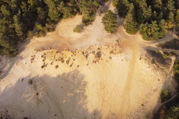 Vue aérienne de la grande sablière de Châlons-sur-Vesle