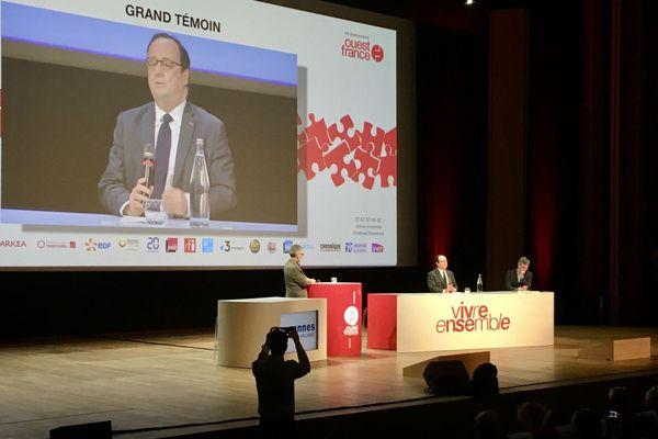 François Hollande, invité aux Assises nationales de la citoyenneté a pris la défense de son ex-compagne Ségolène Royale