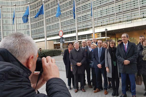 La délégation d'élus de Bourgogne-Franche-Comté devant la Commission européenne à Bruxelles le 13 février 2019