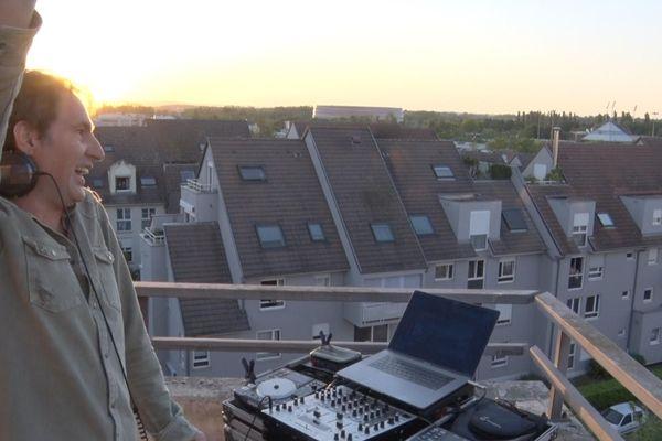 Alain Jardon à son balcon