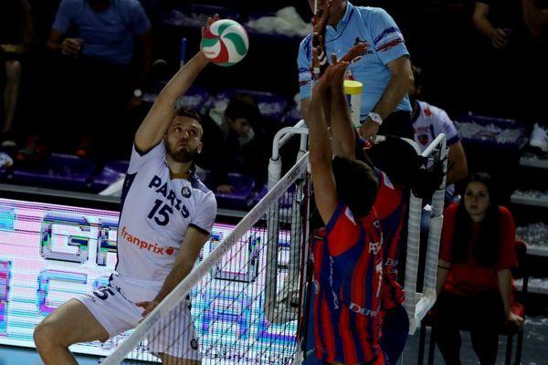 Ligue A messieurs - Ajaccio s'offre le champion en titre, le Paris Volley , dès les quarts de finale des play-offs de la Ligue A masculine (3-2) le match retour