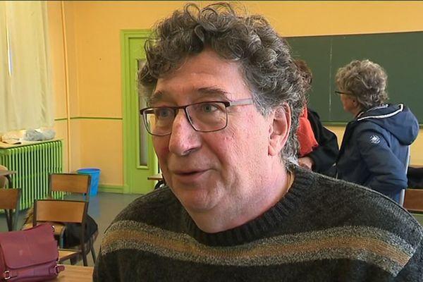 Jean Dussine est décédé ce matin à son domicile.