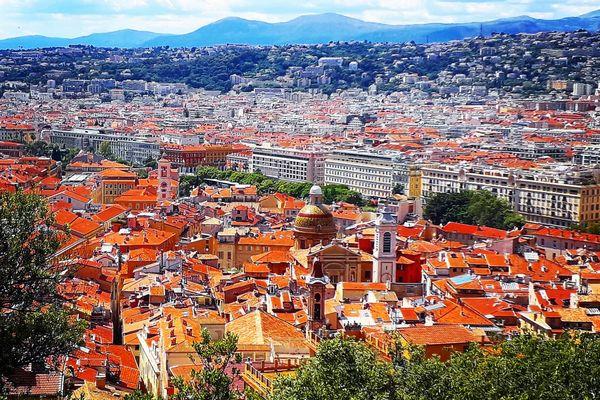 Nice, ville de villégiature, intègre la liste du Patrimoine mondial de l'Unesco.