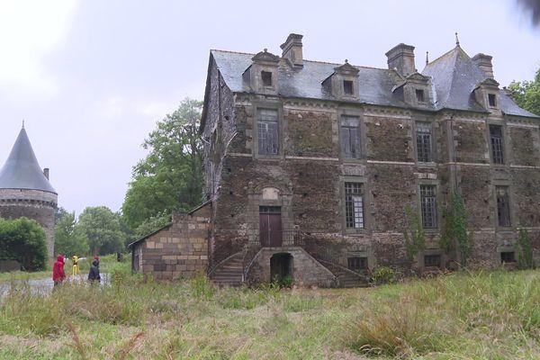 Le château de La Chapelle-du-Lou-du-Lac, en Ille-et-Vilaine