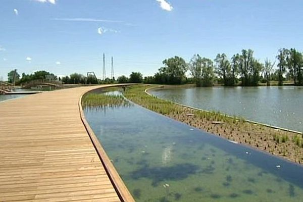 Beaune Côté Plage, la baignade naturelle de Montagny-lès-Beaune en Côte d'Or, ouvre ses portes le jeudi de l'Ascension 2014