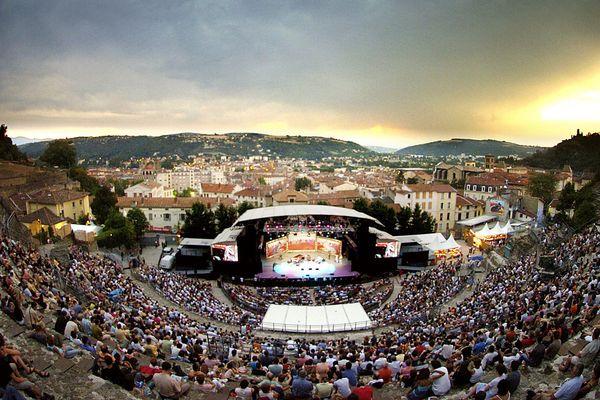 L'édition 2006 du festival Jazz à Vienne, qui réunit chaque année des centaines de milliers de festivaliers.