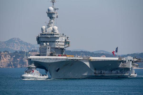 """Le """"Charles-de-Gaulle"""" est rentré à Toulon à la mi-avril"""