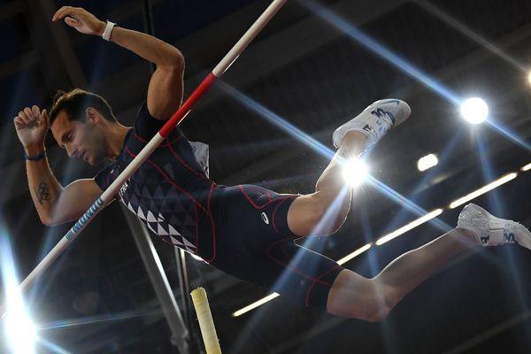Renaud Lavillenie en finale des Mondiaux d'athlétisme de Londres, le 8 août 2047. Il obtient la médaille de bronze du concours.