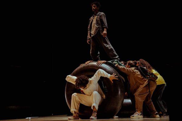 Les 13 et 14 février  « Raisons d'espérer » sera à l'affiche du Pavillon Noir d'Aix-en-Provence.