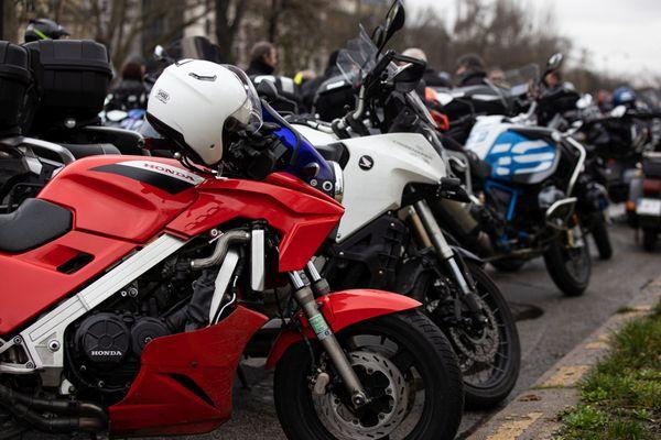 Les motards manifestent ce weekend, contre le contrôle technique.