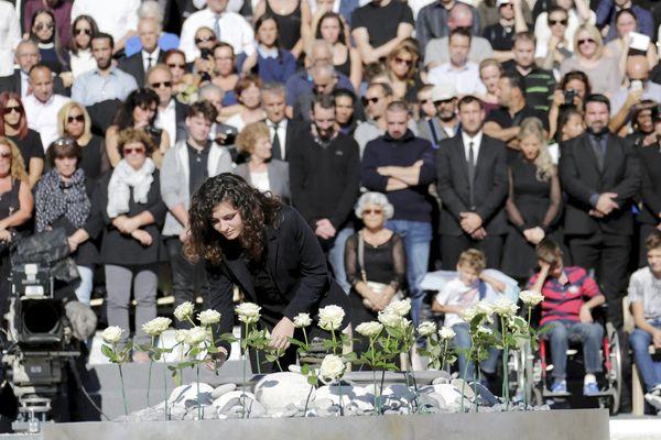 Lors de l'hommage national aux victimes des attentats du 14 juillet de Nice, le 15 octobre sur la colline du château en présence du président de la république François Hollande.