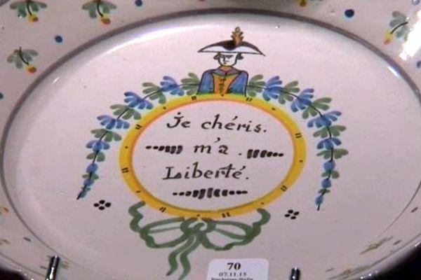 Après la Révolution française, la liberté d'expression se répand dans la société via les objets du quotidien