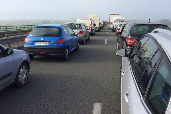 La rocade d'Amiens bouchée par un barrage ce matin posé par des syndicats a été débloquée à 10h30, le 26 mai 2016.