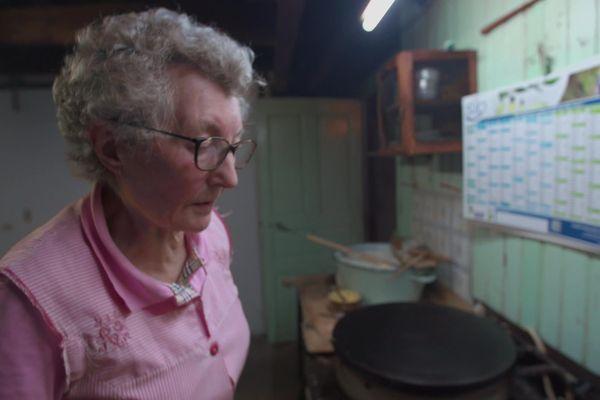 """Joséphine, protagoniste du documentaire """"Crêpes, voyage en terre de Bretagne"""""""