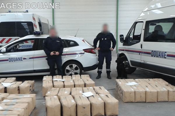 La douane a saisi 1,9 tonne de résine de cannabis au péage d'Ancenis