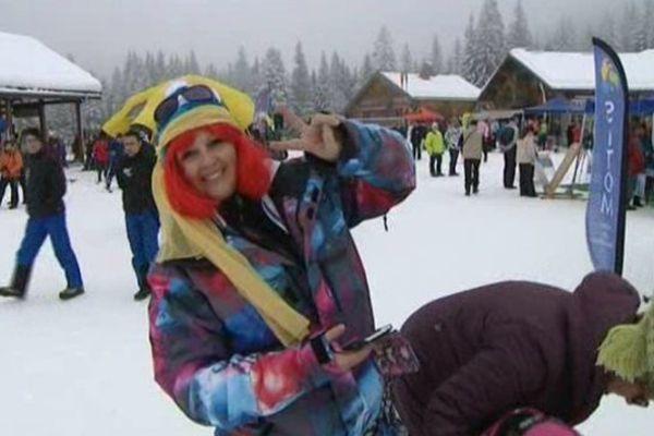 Skieuse déguisée à Plaine-Joux