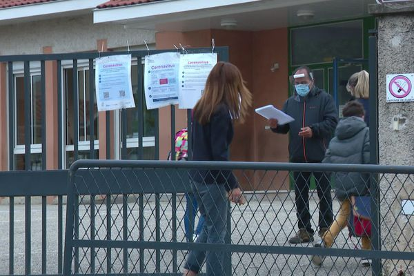 Coronavirus - Déconfinement (Rhône) : réouverture à contre-coeur de l'école de Mornant