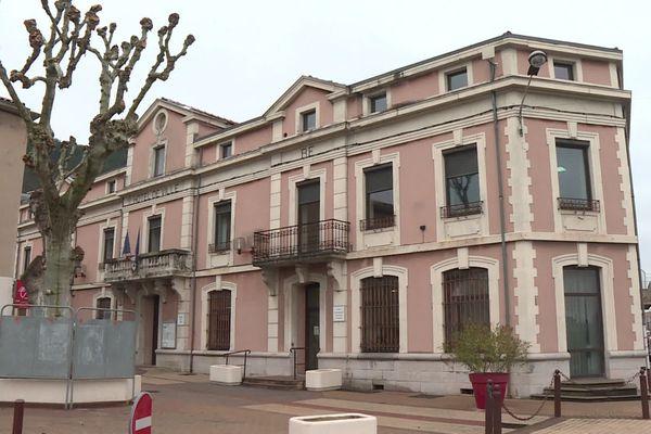 L'Hôtel de Ville de la commune du Teil, en Ardèche. Mars 2020