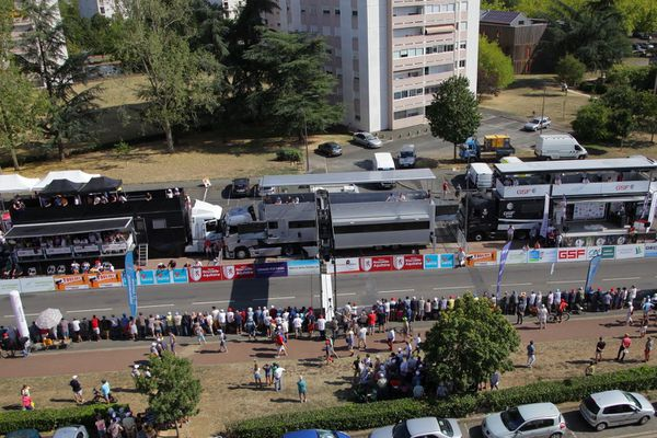 Ligne d'arrivée du Tour Poitou-Charentes en Nouvelle-Aquitaine 2019 - Poitiers