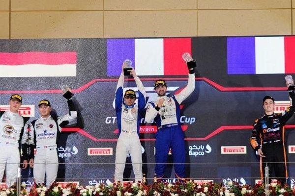 Le podium : sur la plus haute marche, un duo tricolore : Pierre Sancinéna et Pierre-Alexandre Jean (Alpine A110 GT4 n°36 - CMR)